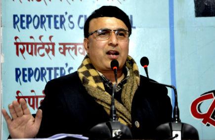 प्रदेश सभा सदस्य अधिकारीको आरोप : गोविन्द केसीले राजतन्त्र भित्राउन खोज्दै छन्