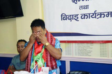 हङकङेली नेपालीको दु:ख बुझेर बिदाईमै भक्कानिए भावेश