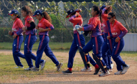 अन्जली चन्दको ऐतिहासिक रेकर्ड, शून्य रनमा ६ विकेट लिइन्