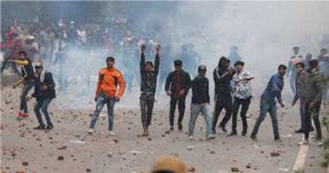 नागरिकता कानुन विवादले दिल्लीमा  हिंसात्मक झडप, १८ जनाको मृत्यु