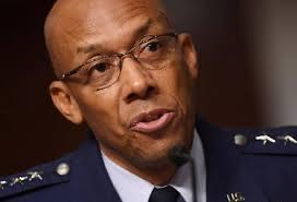 यिनै हुन् अमेरिकी वायु सेना प्रमुख बनेका पहिलो अश्वेत चार्ल्स
