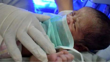 कोरोना क्वारेन्टिनमा जन्मियो शिशु