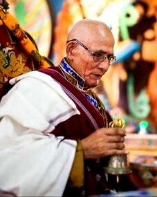 प्रख्यात बौद्ध धर्म गुरु कुसुम लामाको ४९औं दिनको पूजा हुँदै, पार्थिव शरिरको सतगद एक वर्षपछि