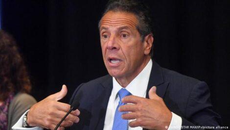 यौन उत्पीडनको आरोप लागेका न्यूयोर्कका गभर्नर कुमोले दिए राजीनामा