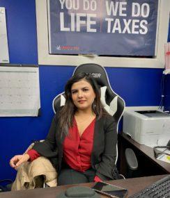 लिबर्टी टेक्स व्यवसायमा नेपाली महिला