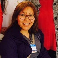 कोरोना जितेकी नर्स निमा फोनबाट विरामीलाई उपचार तरिका सिकाउँदै