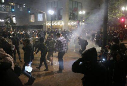 पोर्टल्यान्डमा ट्रम्प समर्थक र विरोधीबीच झडप, १ को मृत्यु