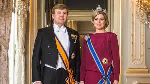 कोरोनाको बेला बिदा मनाउन हिँडेका 'डच' राजा रानीको विरोध