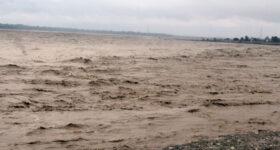 मुलुकभर बेमौसमी बर्सात: कम्तीमा तीन जनाको मृत्यु, तराई क्षेत्रमा सुकाएको धान बगायो